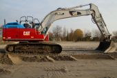 Excavator or earthmover - mechanical digger — Stock Photo