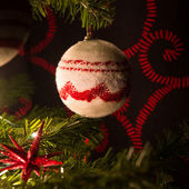Christmas tree with ornaments balls — Stock fotografie