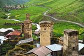Ushguli village and ancient towers — Stock Photo
