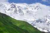 Montagne del caucaso in estate — Foto Stock