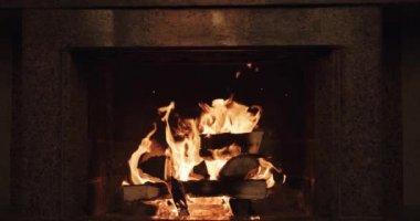 Cozy burning fire — Stock Video