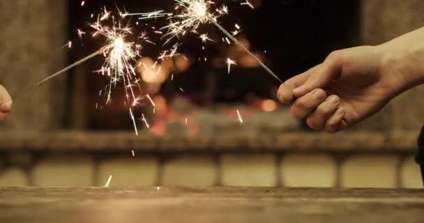 Sparkling bengal lights — Vídeo de stock