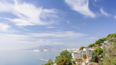 Cruise ship arriving in Malaga — Stock Video
