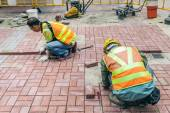 Bricklayers at work — Stock Photo
