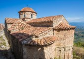 Byzantine church in medieval city of Mystras — Stock Photo