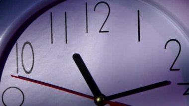 Clock showing Ten minutes past eleven. Close up — Stock Video