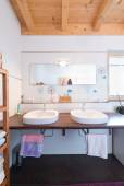 Modern new bath room with two basins in timber house — Stock Photo