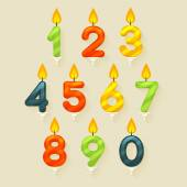 Set of colored glossy birthday cake candles. Isolated on bright background with fire flame. — 图库矢量图片
