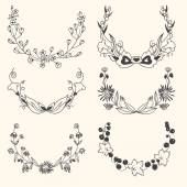 Set of floral hand drawn wreaths — Vettoriale Stock
