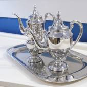 Silver teapot — Stock Photo