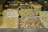 Tuercas en mercado — Foto de Stock