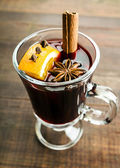 Mulled wine and spices — Stock Photo