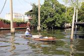 BANGKOK, THAILAND - December 15, 2014: boating on the Chao Phray — Stock Photo