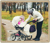 Family mother with child in park — Stock Photo