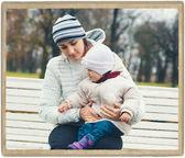 семейная мать с ребенком в парке — Стоковое фото