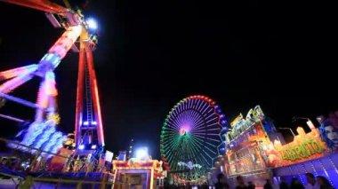 圣诞节晚上公平的公园 — 图库视频影像
