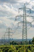 高压电线进城 — 图库照片