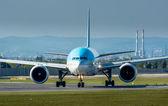 Aeroplane on the Runway — Stock Photo