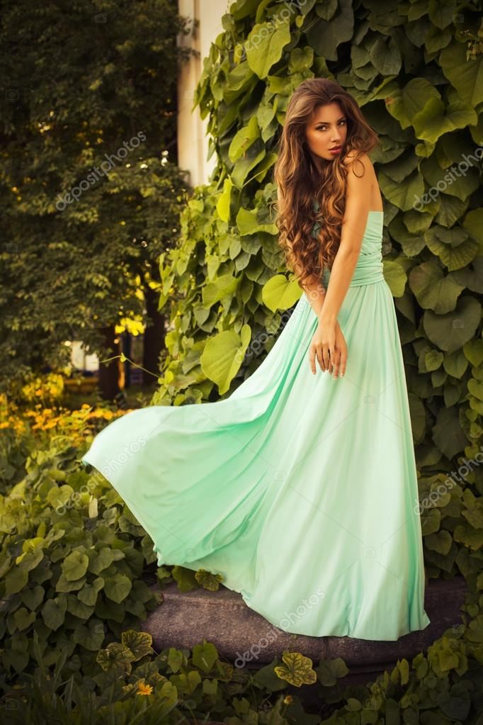 PRETTY WHITE MAXI DRESSES FOR THE SUMMER ... |Summer Hair Dresses