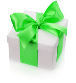 Gift box with green bow isolated on the white background — Zdjęcie stockowe