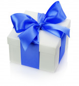 Gift box with blue bow isolated on the white background — Zdjęcie stockowe