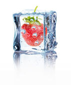 Strawberry in ice isolated on the white background — ストック写真