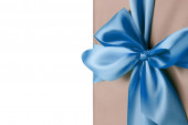 Greeting card with blue bow on the white background — Stock fotografie