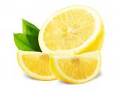 Rodajas de limón con hojas aisladas sobre fondo blanco — Foto de Stock