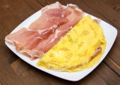 Omelet with ham closely — Stock Photo