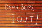 Dear Boss, I quit: unhappy employee message — Stock Photo