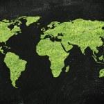 kaart van de wereld gemaakt van groen gras — Stockfoto #72931733