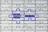 Social media & branding, glowing jigsaw puzzle illustration — Foto de Stock