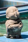 粘土和尚快乐雕像,泰式风格 — 图库照片