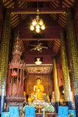 在教堂里的老佛雕像。 — 图库照片