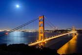 Golden gate bridge at night — Stock Photo