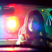 Woman chaced and pulled over by police — Stock Photo