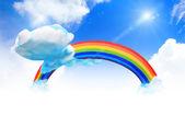 Rainbow och moln på himlen — Stockfoto