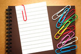 Note paper with paperclips — Stock Photo