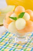 Melon and cantaloupe balls — Stock Photo