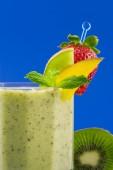 Kiwi smoothie — Stock Photo