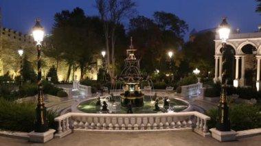 Fountain in governors garden in Baku — Stock Video