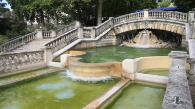 Static view on fountain in park Jardin Darcy, Dijon — Stock Video