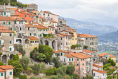 Small houses chaotically standing on the hill in Italy — Stock Photo