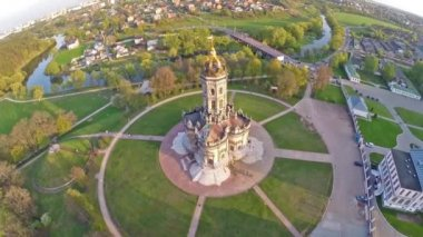 Aerial view on church in Dubrovici estate — Stock Video