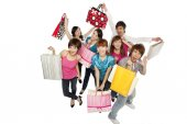 Young people excited about shopping — Stock Photo