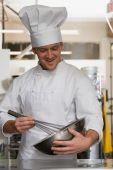 Chef sbattere la crema — Foto Stock
