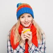 Young happy woman drinking coffee — Foto de Stock