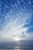 Beautiful clouds and sun — Stock Photo