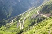 Mountain pass, winding road — Stock Photo