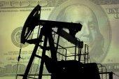 油泵有美元的钞票 — 图库照片
